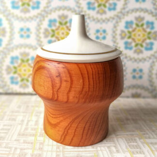 Holzdose mit Porzellandeckel Nr. 18