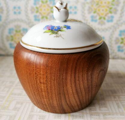 Holzdose 21 mit Porzellandeckel