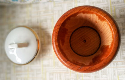 Holzdose 22 Porzellandeckel